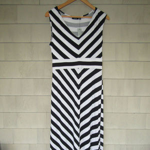 NWT Apt. 9 Black & White Maxi Stretchy Rayon Blend